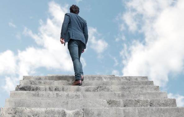 Başarı-merdivenlerini-tek-tek-tırmanın